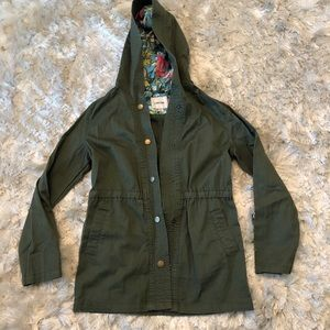 Green everyday jacket for girls
